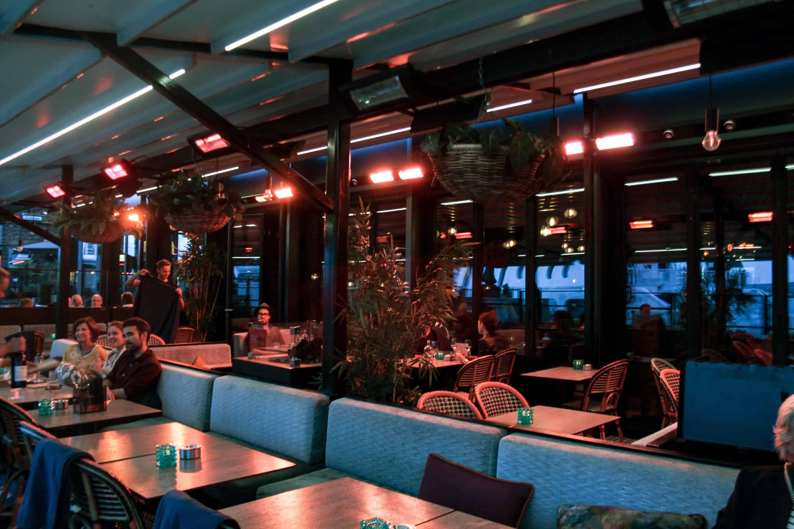 Solskjerming På Restaurant Asia