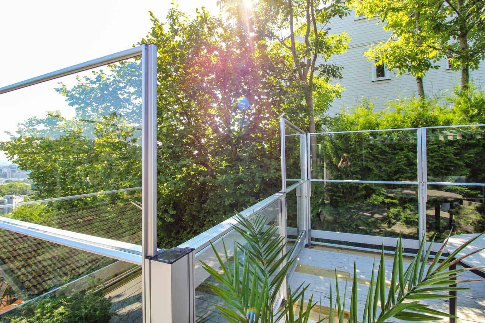 Hev Og Senk Glassrekkverk