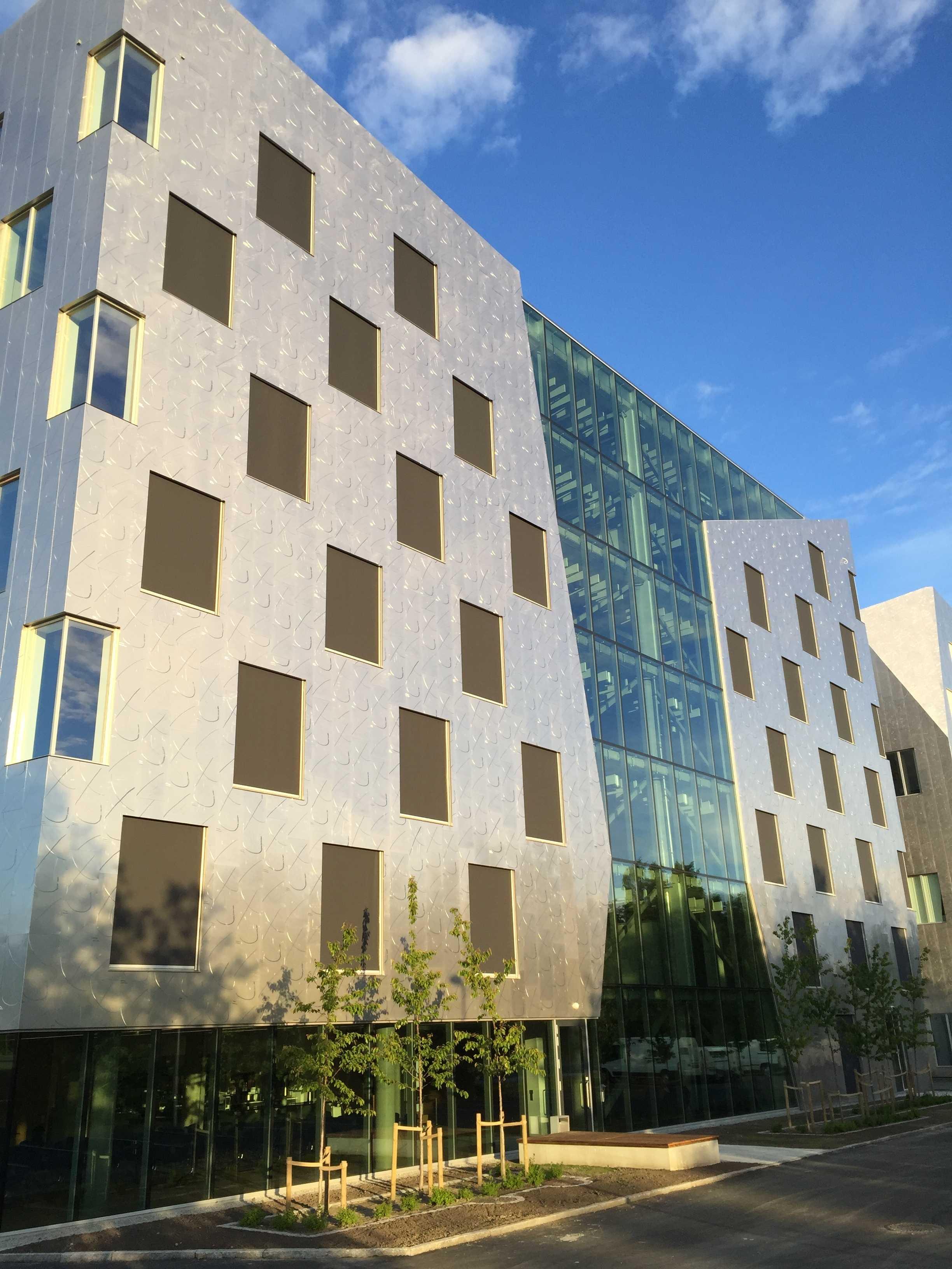Solskjermingsgruppen AS har levert Zip-screen til Sluppenveien 17BC i Trondheim